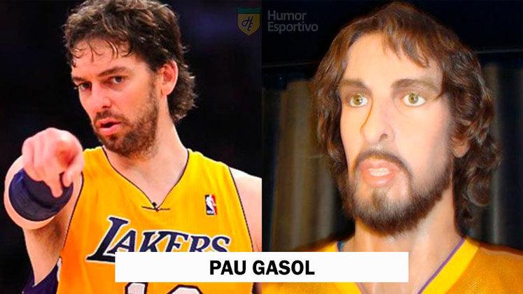 Astro da NBA, o espanhol Pau Gasol não ficou muito bem na escultura