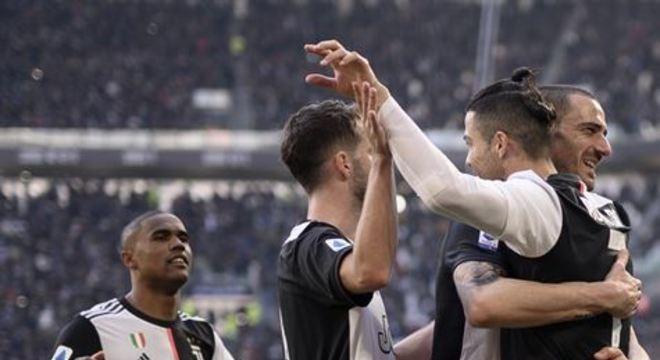 Astro português chegou ao nono compromisso consecutivo marcando gol no Campeonato Italiano