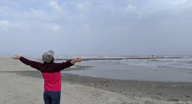 Christina aproveitando seu retorno para ir à praia