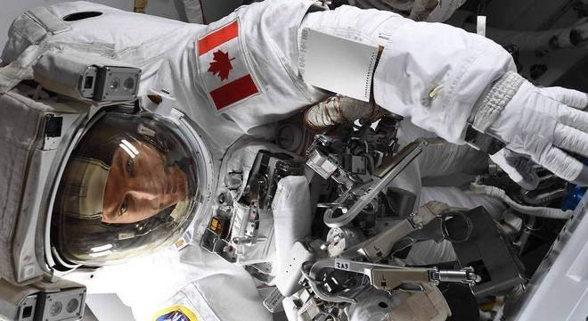 Astronauta canadense David Saint-Jacques se prepara para retornar à Terra