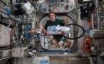 A bordo da Estação Espacial Internacional, astronautas compartilham como é viver no espaço e como são os dias na órbita da Terra. Mesmo na estação, as tarefas domésticas não podem ser ignoradas e o comandante da Nasa Chris Cassidy compartilhou como os astronautas jogam o lixo fora