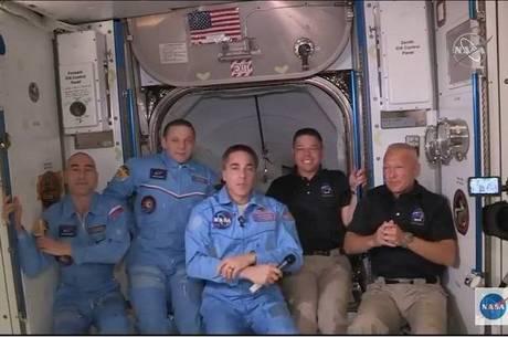 SpaceX é a primeira empresa privada a ter uma nave na Estação Espacial Internacional