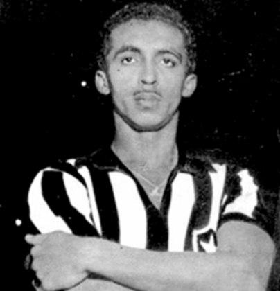 Atacante do Botafogo entre 1954 e 1964, QUARENTINHA disputou 444 jogos, foi tricampeão carioca, bicampeão do Rio-São Paulo e fez parte de uma geração de ouro do Glorioso.