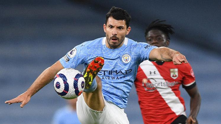 Atacante do Manchester City, o argentino Sergio Agüero é o CEO da KRÜ eSports. O clube tem uma equipe profissional de Fifa.