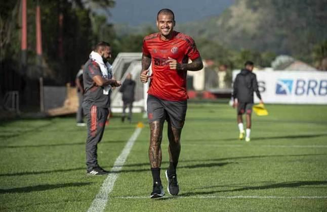 Atacante pela direita: Kenedy (Flamengo) - 10 milhões de euros (R$ 63 milhões) / Breno Lopes (Palmeiras) - 1,5 milhão de euros (R$ 9,4 milhões).