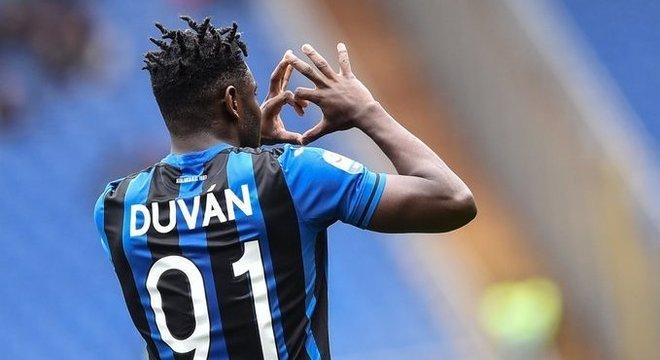 Duván Zapata, camisa 91 da Atalanta, autor do gol 91 no campeonato