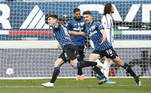Em duelo direto pelas primeiras posições do Campeonato Italiano, a Atalanta derrotou a Juventus neste domingo, por 1 a 0, em casa, no estádio Atleti Azzurri d'Italia, em Bérgamo, pela 31ª rodada da competição. O gol que garantiu o triunfo saiu aos 41 minutos da etapa final, dos pés do meio-campista ucraniano Malinovskyi