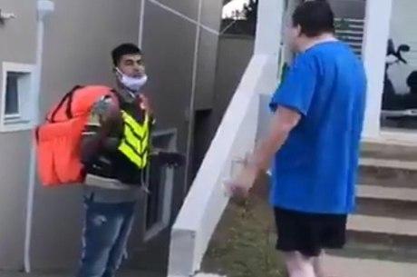 Campanha pede prisão de homem branco