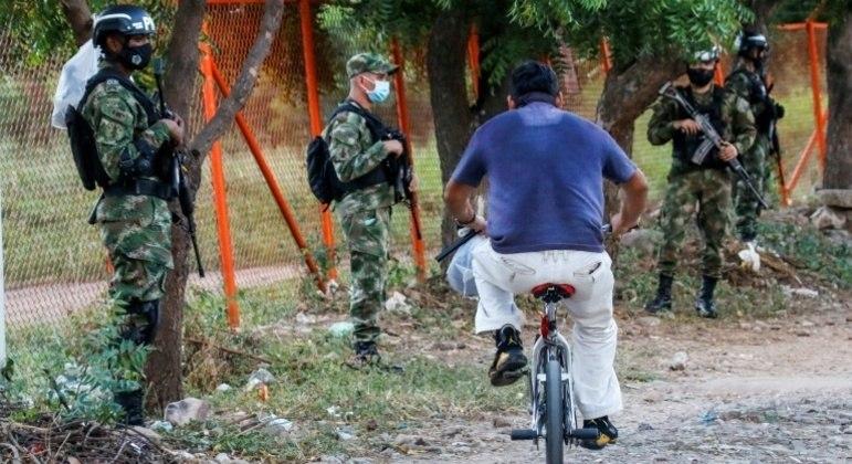 Ataque com explosivos na cidade colombiana de Cúcuta teve como alvo uma delegacia