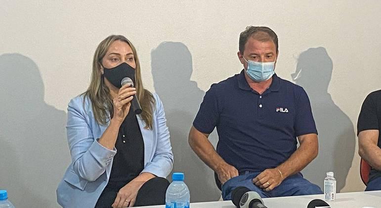 Governadora de Santa Catarina, Daniela Reinehr (sem partido), ao lado do prefeito Maciel Schneider (PSL)