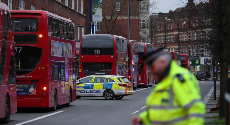 Agressor de ataque a faca em Londres era conhecido por querer matar a rainha