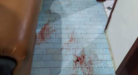 Vítima acordou com dores e sangue pelo corpo