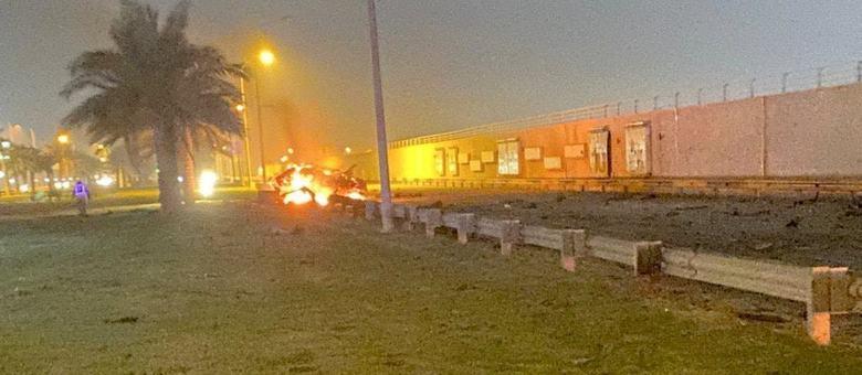 Um dos veículos atingidos pelo bombardeio