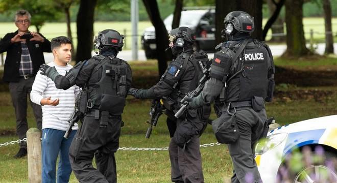 Movimentação polícial após ataques a duas mesquitas na cidade de Christchurch