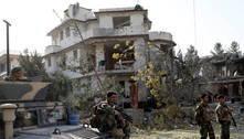 Talibãs reivindicam atentado em Cabul contra o ministro da Defesa