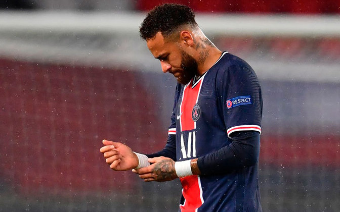 Até se pode questionar o estilo do brasileiro, que adora se jogar em campo. Mas Neymar estaria em muitas seleções de todos os tempos