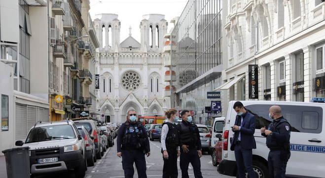Uma das vítimas em atentado em Nice foi decapitada