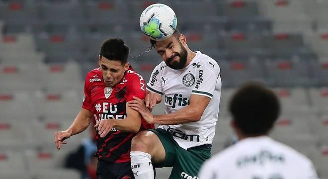 Palmeiras e Athletico-PR fizeram jogo fraco na Arena da Baixada