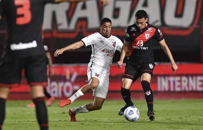 Athletico-PR - eliminou o Atlético-GO nas oitavas de final