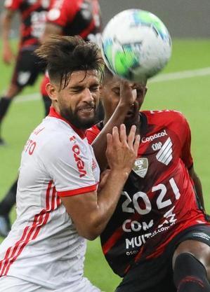 Athletico e Internacional fizeram jogo brigado na Arena da Baixada