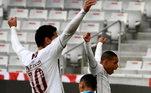 O Fluminense venceu do Athletico-PR, em Curitiba, por 1 a 0, gol contra de Felipe Aguilar
