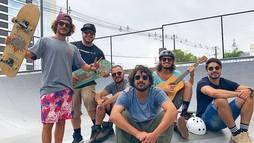 Banda empresariada por Thiaguinho se destaca por som original ()