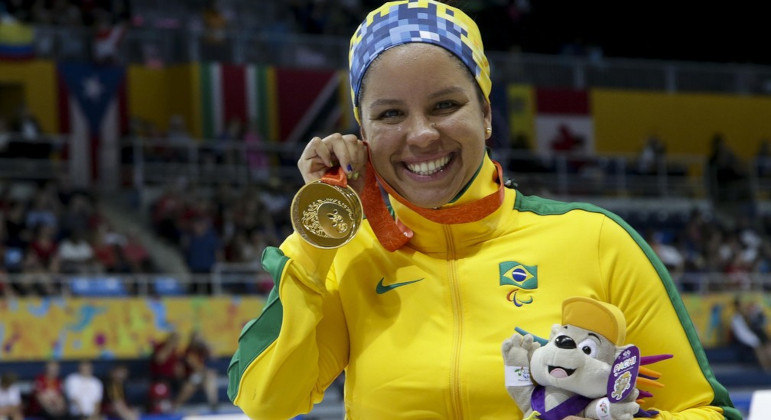 Medalhista Edênia Garcia é a entrevistada desta semana do PodVirtz