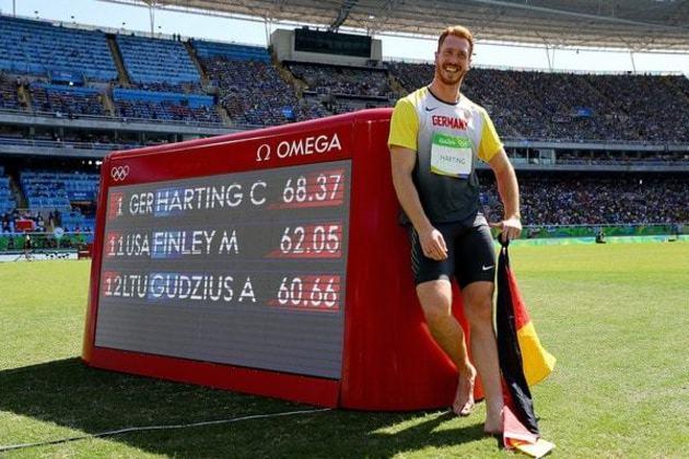 Atletas alemães conquistaram 615 medalhas na história olímpica, colocando o país na quinta colocação. Na foto, Christoph Harting, que levou o ouro no lançamento de disco em 2016, no Rio.