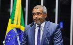 Romário, ex-jogador e atualmente senador (Pode-RJ), acabou preso em 2009 pelo não pagamento de R$ 90 mil à sua primeira mulher, Mônica Santoro, mãe de sua filha mais velha. Ele passou uma noite na prisão
