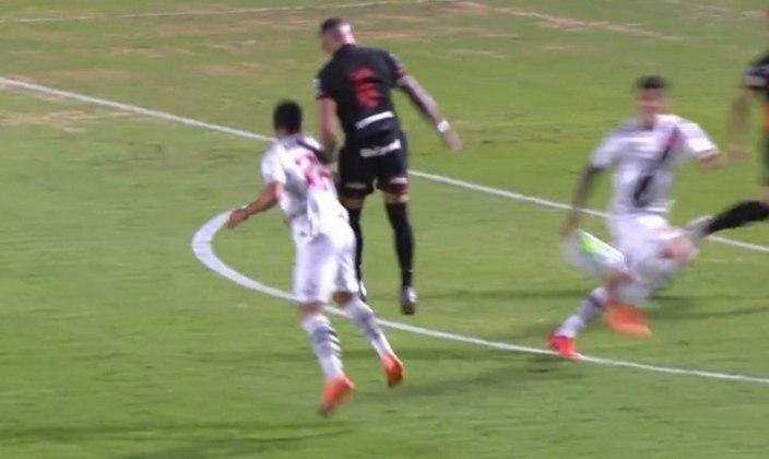 Atlético-GO 0 x 0 Vasco - 7/1/2021 - No primeiro jogo sob as ordens de Vanderlei Luxemburgo, atuação regular e saída da zona de rebaixamento.