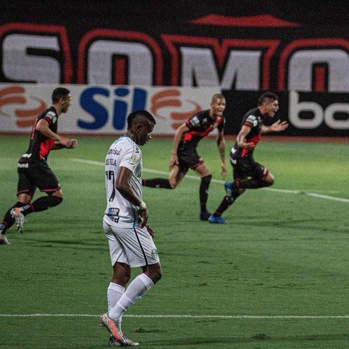 Atlético Goianiense foi até melhor do que o Grêmio, no empate de ontem