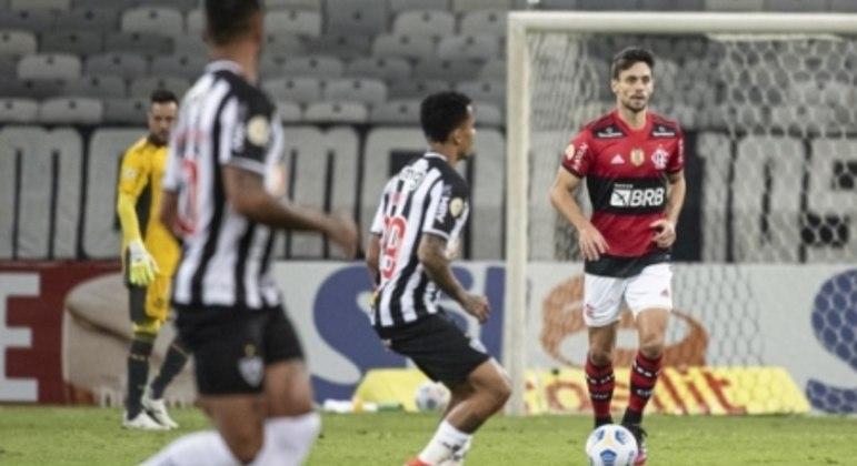 Rodrigo Caio não conseguiu evitar a derrota do Flamengo