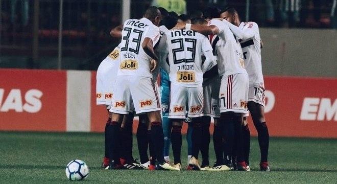 Derrota tirou a liderança do São Paulo no Campeonato Brasileiro