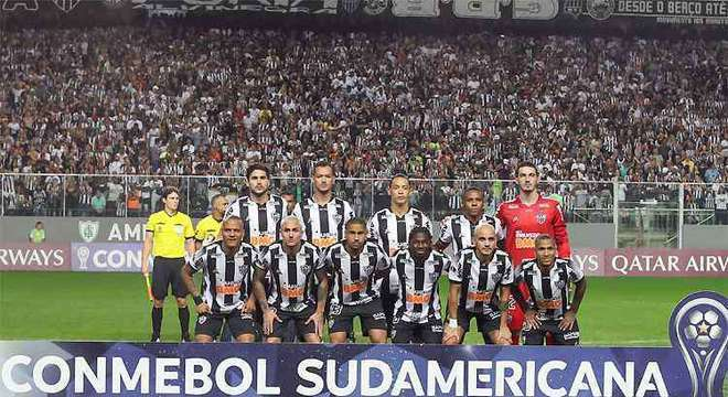 Atlético Mineiro e Colón, outra semifinal, também no vídeo tape