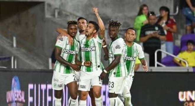 Vitória do Atletico Nacional castigou o desperdício de gols do Corinthians