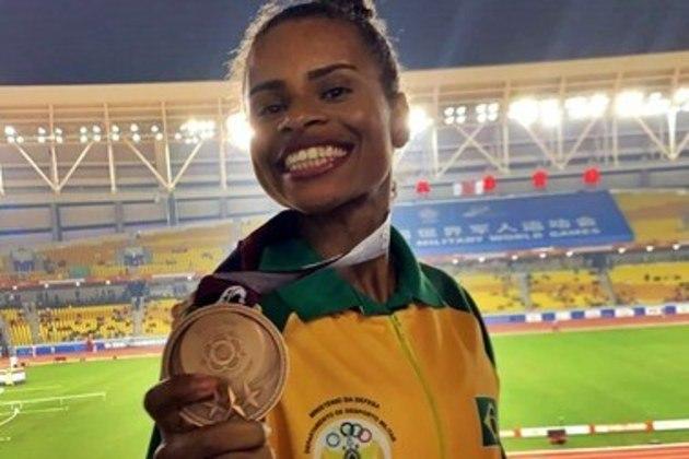Atletismo: Eliane Martins participa das eliminatórias do salto em distância, a partir das 21h50.