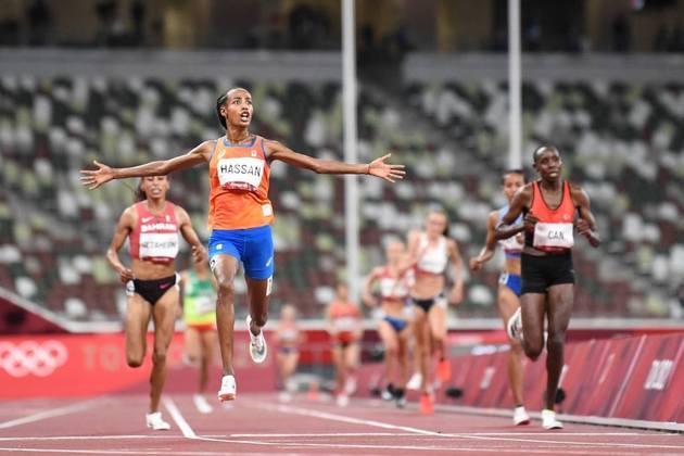 ATLETISMO - Sifan Hassan continua fazendo história nos Jogos Olímpicos. A holandesa venceu a prova dos 10.000m feminino e faturou a sua terceira medalha de ouro em Tóquio. Kalkidan Gezahegne, do Bahrein, e Letesenbet Gidey, da Etiópia, completaram o pódio.