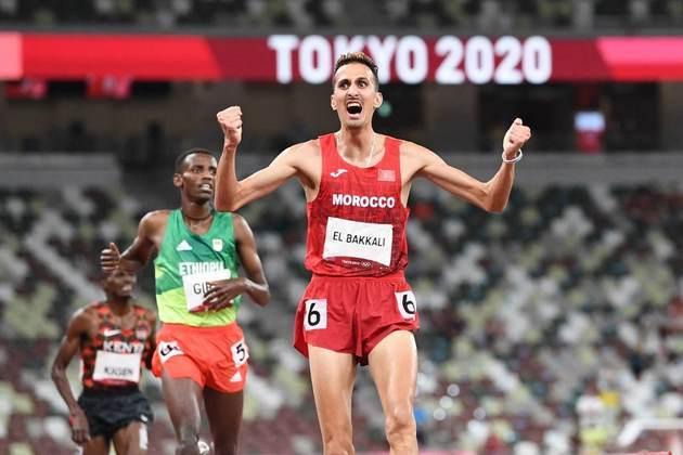 ATLETISMO - Soufiane El Bakkali conquistou a medalha de ouro na prova dos 3.000m com barreiras e se tornou o primeiro marroquino campeão olímpico desde 2004.