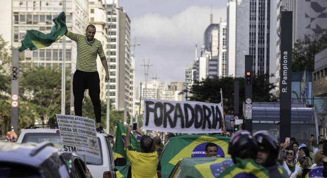 Ato pedindo saída de João Dória do governo de SP reuniu multidão na avenida Paulista