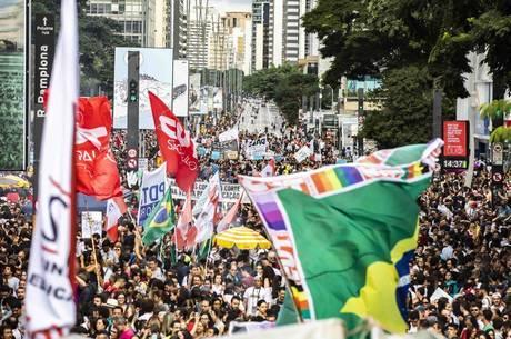 Manifestação em SP contra contingenciamento de 30%