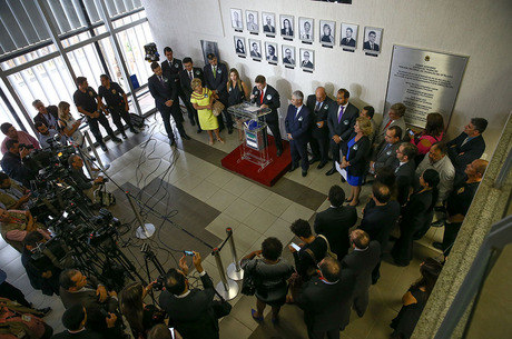 Juízes e procuradores se reúnem em ato de Brasília