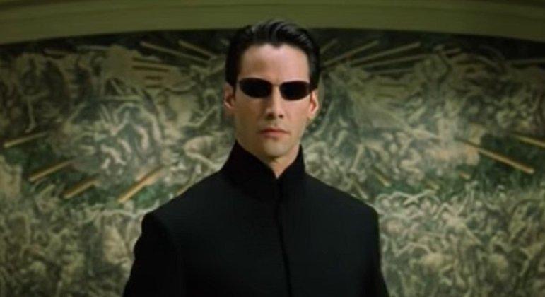 Ator que ficou com o papel e teve sucesso com seu desempenho no filme: Keanu Reeves