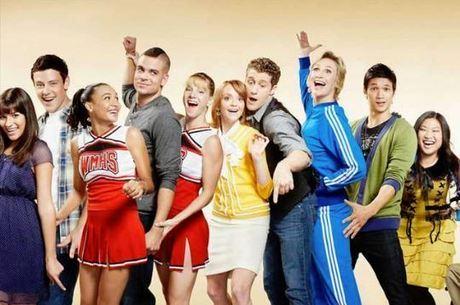 Elenco de Glee lamenta desaparecimento de Naya Rivera