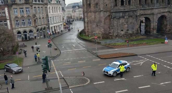 Motorista dirigiu de forma desgovernada com a intenção de atropelar pedestres