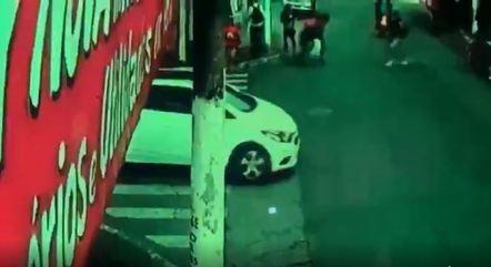 Rapaz atropela e mata garoto ao empinar moto em SP