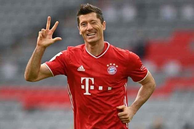 Atual melhor do mundo, Robert Lewandowski conseguiu fazer mais uma temporada positiva no Bayern. Sem conquistar a Champions League, o polonês também ficou longe do título da Eurocopa, mas garantiu seus muitos gols na equipe alemã