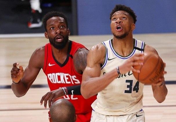 Atual MVP, o grego Giannis Antetokounmpo (Milwaukee Bucks) foi o principal destaque de sua equipe diante do Houston Rockets. No entanto, ele falhou no último lance ofensivo, desperdiçando a posse de bola. Antetokounmpo obteve 36 pontos, 18 rebotes, oito assistências e ainda converteu duas cestas de três