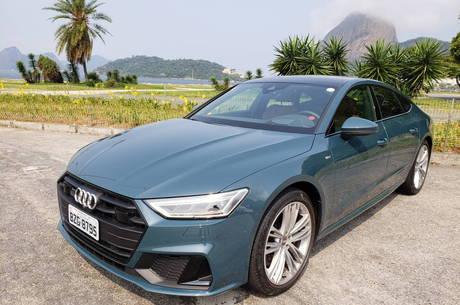Audi A7 chama a atenção pelo design e tecnologia