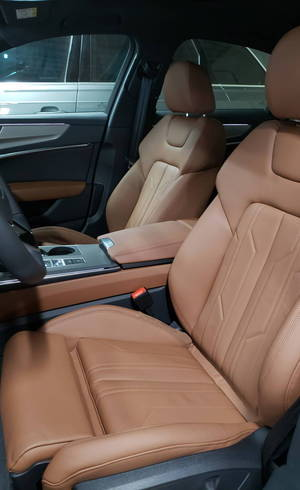 Couro marrom é opção para o Audi A7