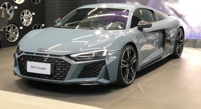 R8 Coupé em exibição no Centro de Treinamento da Audi em São Paulo: vimos de perto a novidade